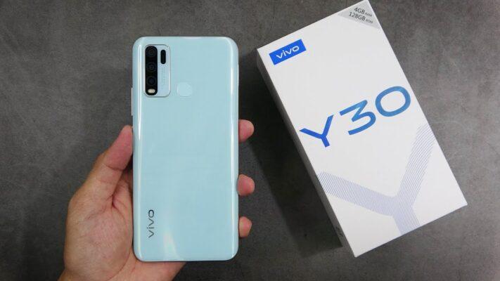 vivo Y30 VS iPhone SE Featured Image